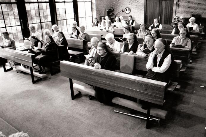 Kapel met Zusters Franciscanessen in Veldhoven (6-7-1992).