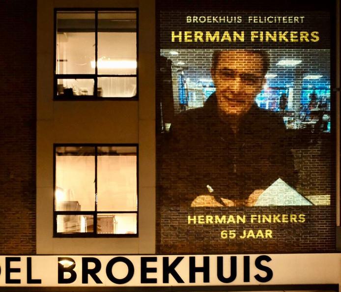 Eerbetoon aan Herman Finkers.