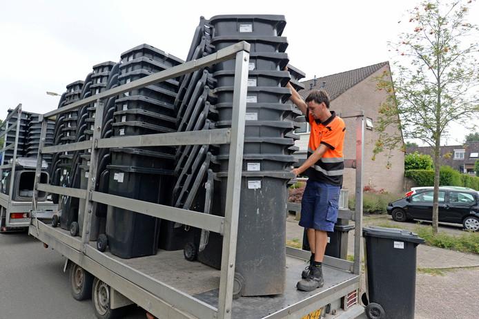 De inname van de grijze containers in Hengelo.