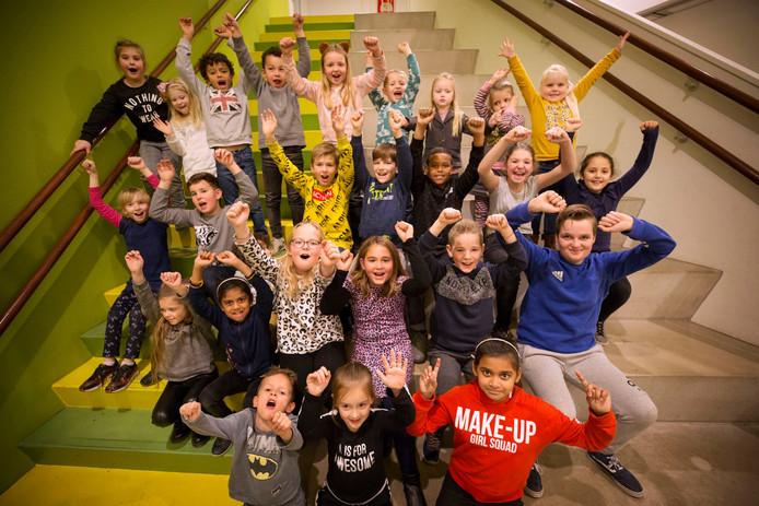 Een aantal kinderen van bs de Springplank in Etten Leur. De school scoorde goed bij de inspectie.