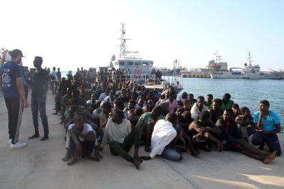Libische kustwacht redt op verzoek van Italië bijna 1.000 migranten op Middellandse Zee