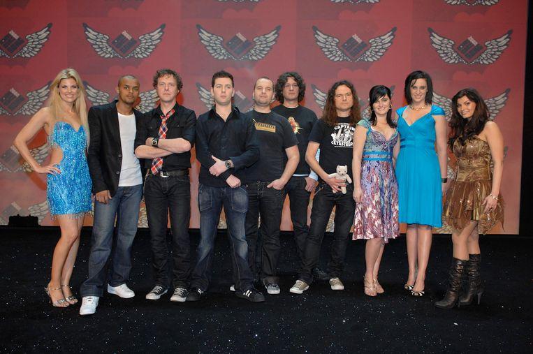 Hans Stevens met zijn vroegere band The Paranoiacs met enkele andere kandidaten tijdens 'Eurosong 2008', het laatste grote wapenfeit van de Vlaamse garagerockband.