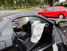 Jongen (10) lichtgewond door aanrijding met twee auto's in Eindhoven