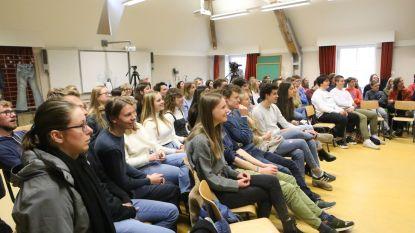 Minister Crevits maakt meisjes warm voor 'STEM Ovk'