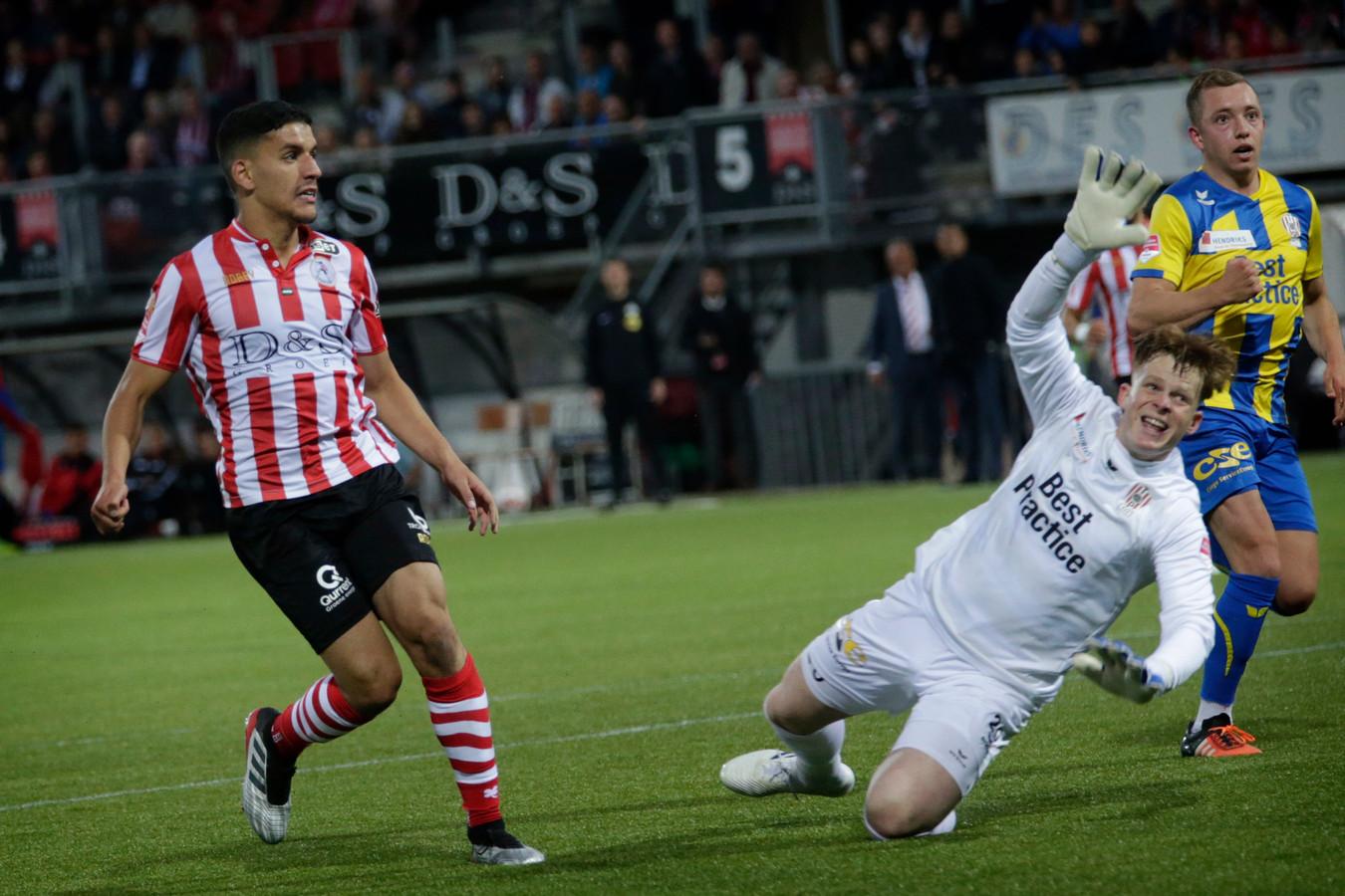 Een sterk keepende Ronald Koeman voorkwam dat Sparta in de eerste helft al ruim afstand nam van TOP.
