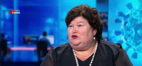 """La ministre De Block défend les assouplissements: """"Nous entrons un peu dans le modèle suédois"""""""