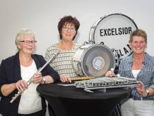 3 Jubilarissen bij Exelsior Gelselaar: 'A'j ergens bie bunt, dan blief 'ie d'r bie!'