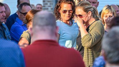 Familie en vrienden houden stille wake aan verzegeld café na gezinsdrama Wijnegem