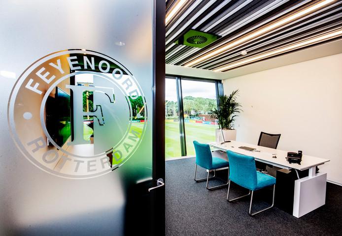 De kamer van Feyenoord-trainer Giovanni van Bronckhorst.