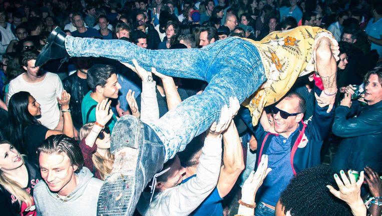 Er wordt al dertig jaar herdacht én gefeest op en rondom het Homomonument. Beeld Homomonument