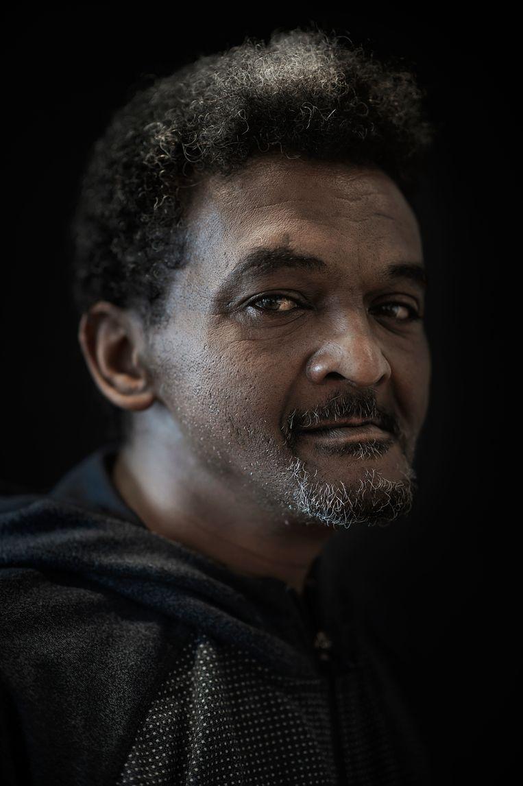 Drugs-verslaafde Mussie (55) in coronatijd. 'Door de lockdown verveelde ik me kapot.' Beeld Mona van den Berg