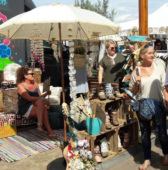 Kraampje op de Ibiza-markt.