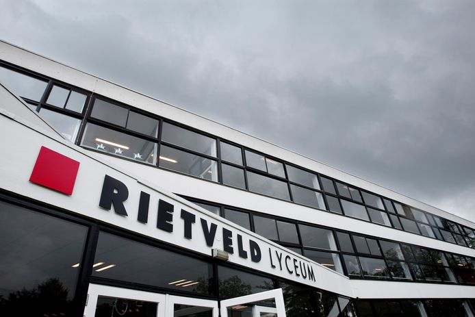Het Rietveld Lyceum in Doetinchem. Archieffoto : Jan Ruland van den Brink.