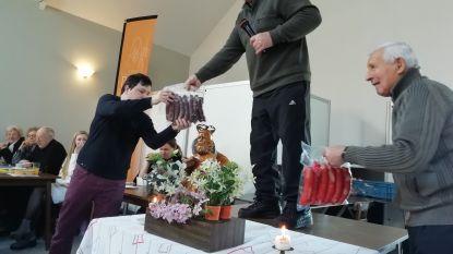 Gemeente maakt Sint-Antonius trots: verkoop varkensvlees levert 1.750 euro op