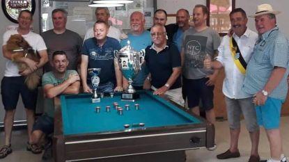 Biljartclub de Speelvogels uit Attenrode-Wever wordt voor het tweede jaar op rij kampioen