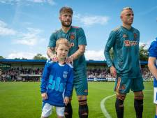 Landskampioen Ajax in Epe bezorgt Rick Vos (7) de dag van zijn leven