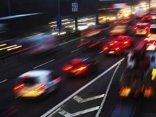 5 kilometer file bij Oosterhout door ongeluk