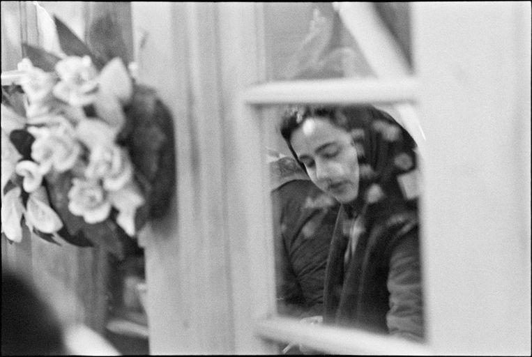 Foto uit I Will be Wolf, genomen in Boedapest in 1975. Beeld Bertien van Manen