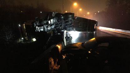 A12 richting Gent weer vrij na zwaar ongeval met drie trucks in Ekeren