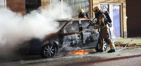 Auto uitgebrand in Roosendaal, oorzaak onbekend
