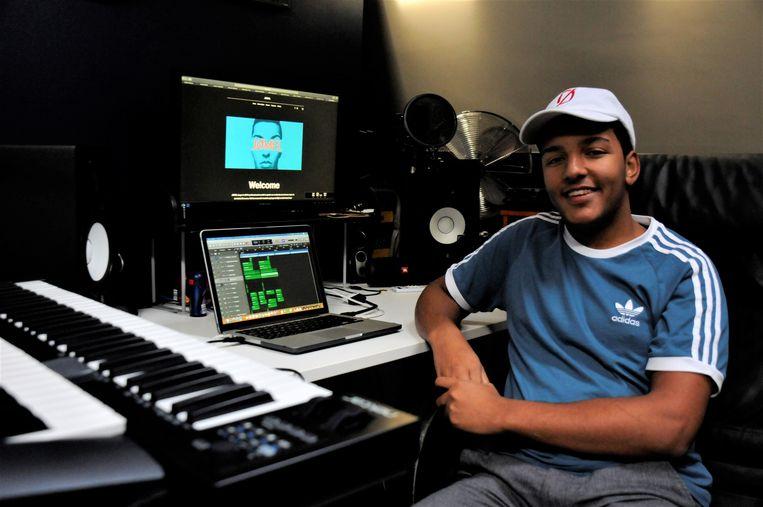 DJ JØMEL stelt zijn studio graag te leen aan ander lokaal talent.