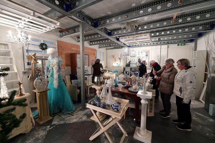 Kerstafdeling het ijskasteel van de Kringloper in Etten-Leur