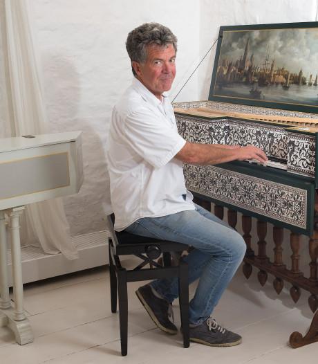 Topmusicus Siebe Henstra (60) woont met zijn tien klavecimbels in Doesburg