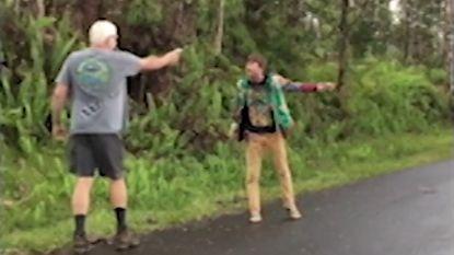 """""""Maar ik woon hier!"""": boze Hawaïaan lost schoten omdat hij denkt dat buurtbewoner plunderaar is"""