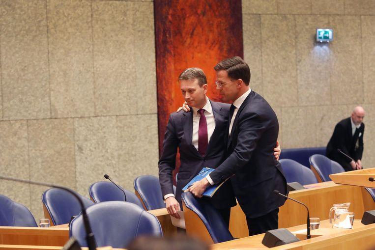 Halbe Zijlstra en Mark Rutte gisteren in de Tweede Kamer. Beeld werry crone