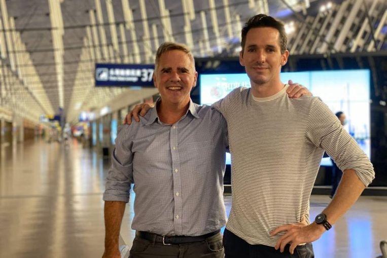 Mike Smith en Bill Birtles, de twee gevluchte Australische China-correspondenten. Beeld