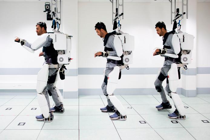 """Le prototype d'exosquelette repose sur des électrodes implantées dans le crâne, qui vont """"capter les signaux envoyés par le cerveau et les traduire en signaux moteurs""""."""