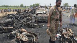 """Tankwagen vat vuur in Pakistan: """"Zeker 146 doden"""""""