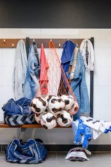 Mobieltje per direct verboden in kleedkamer sv Grol