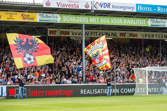 Al ruim vijfduizend fans hebben zich verzekerd van een seizoenkaart voor komend voetbaljaar.