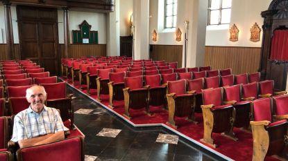 Wat doen die cinemastoelen in de kerk van Kiezegem? En waar is het preekgestoelte in godsnaam naartoe?