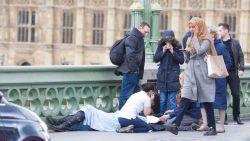"""""""En onverschillig stapte de moslima terreurslachtoffers voorbij"""": geviseerde vrouw reageert op de haat"""