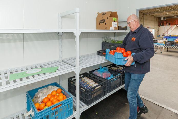 De gemeente wil het pand waar de Voedselbank Zwolle inzit aankopen, om de toekomst van de organisatie veilig te stellen.