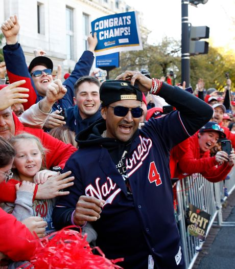 'Baby Shark' en 30 robijnen in kampioensring Washington Nationals