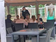 """Le Roi et la Reine s'arrêtent dans son restaurant après une balade à vélo: """"Ils étaient super gentils"""""""