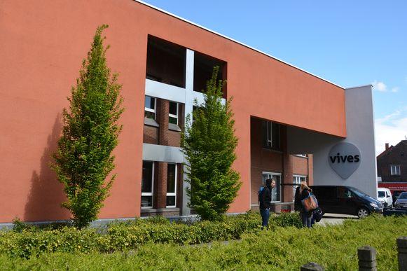 Het gebouw van hogeschool Vives is nu eigendom van het Sint-Jozefsinstituut.