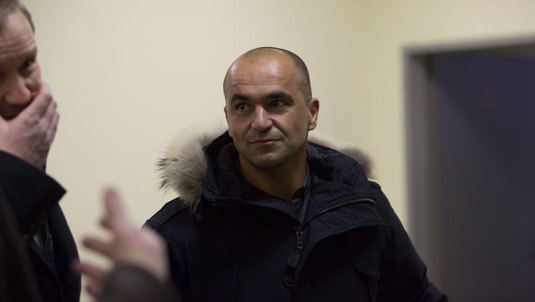 Roberto Martinez op de luchthaven in Rusland