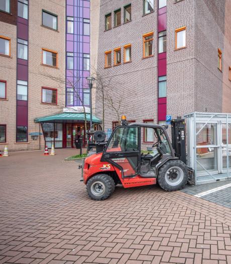Isala in Zwolle: 72 patiënten op corona-afdeling, 27 op Intensive Care en externe locaties (nog) niet nodig