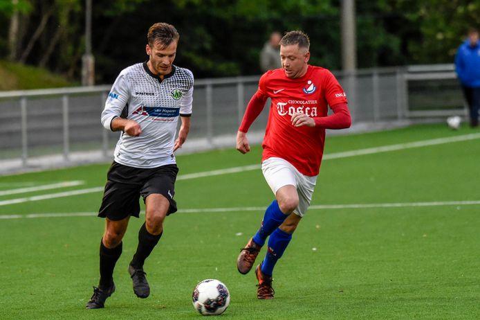 Tweedeklasser Roosendaal (rode shirts, vorig seizoen nog derdeklasser) kende tijdens de groepsfase van de districtsbeker een uitstekende voorbereiding op de competitie.