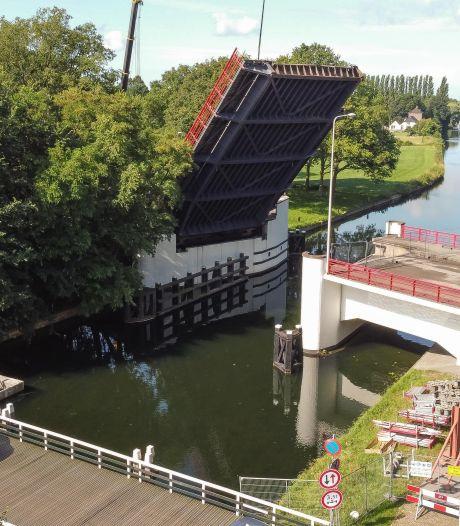 Voor het eerst in 40 jaar staat de Spoolderbergbrug in Zwolle weer open