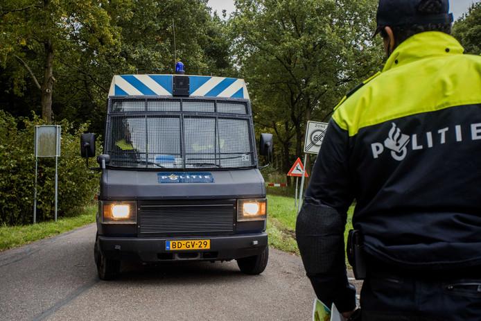 2017-10-11 17:01:46 ZEEWOLDE - De politie zoekt naar de vermiste Anne Faber in de buurt van een golfterrein in Zeewolde. De Utrechtse wordt al ruim anderhalve week vermist. ANP SEM VAN DER WAL