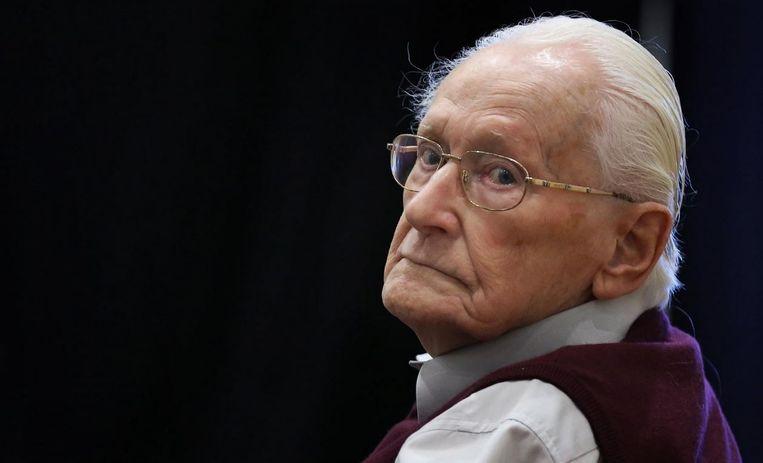 Gröning beklemtoont dat hij slechts enkele keren deelnam aan een selectie van gevangenen. De rest van de tijd zat hij naar eigen zeggen in een kantoor hun geld te tellen.