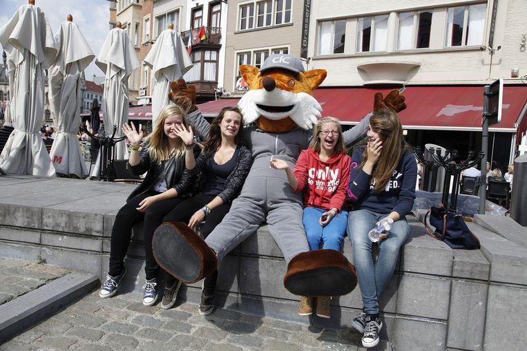 Mascotte Joske op de Grote Markt in Kortrijk.