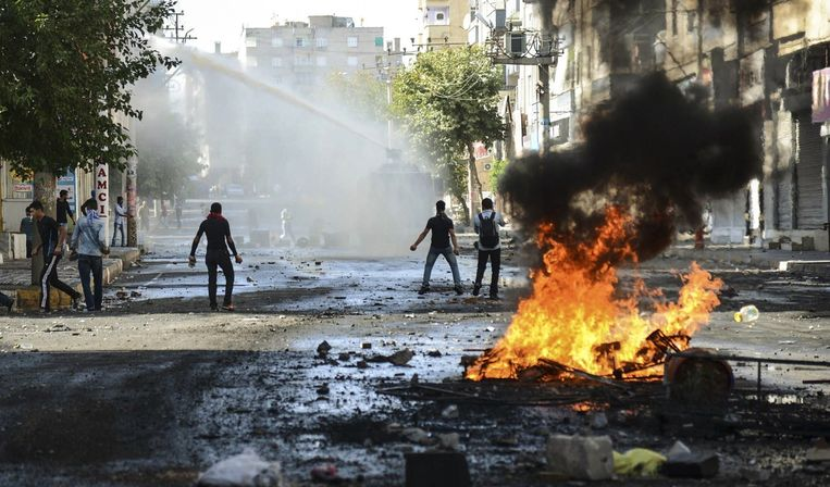Protesten in Diyarbakir, de grootste Koerdische stad in Turkije. Beeld afp