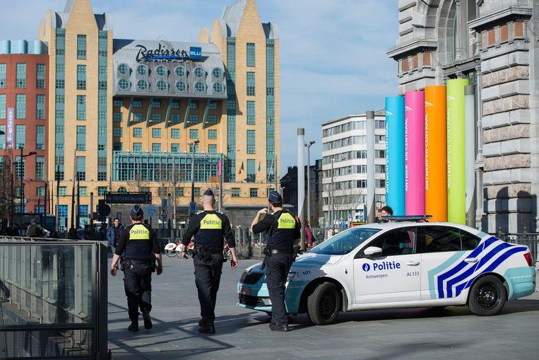 Onder meer aan het station Antwerpen-Centraal zijn extra agenten ingezet.