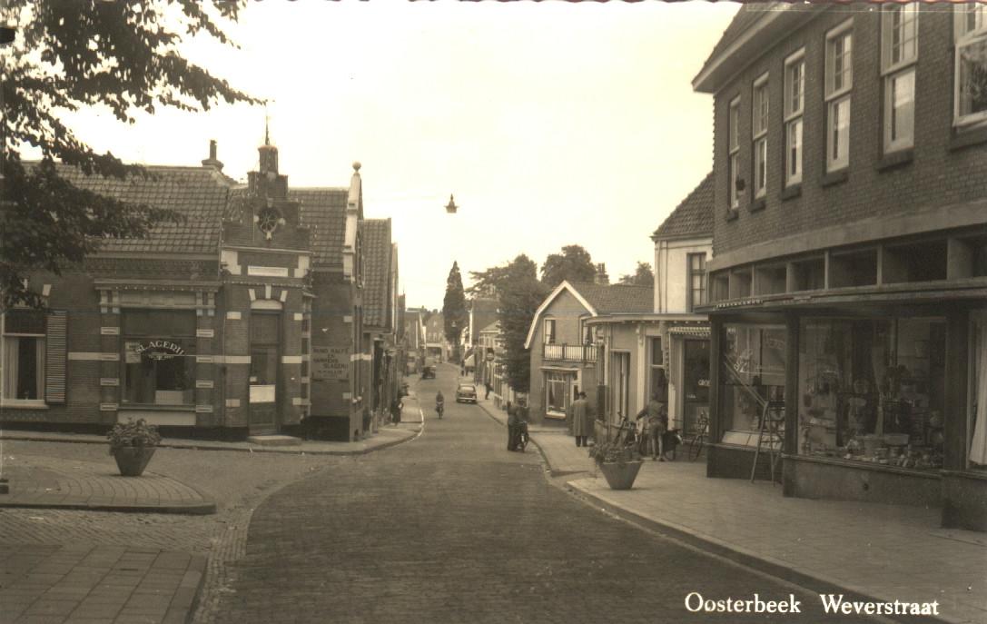 Mogelijk toch hangende verlichting in Weverstraat   Arnhem e.o. ...